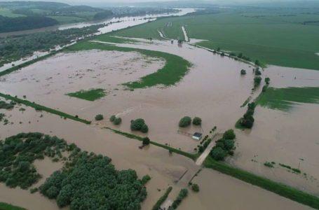 Відселили 157 людей: на Монастирищині найбільше підтоплені три села