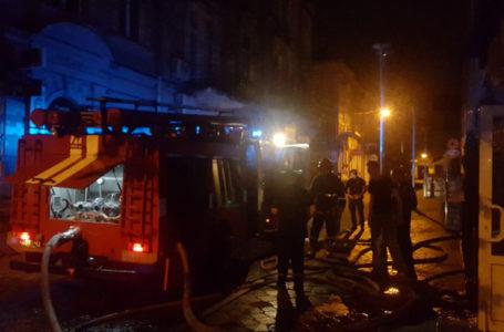 Вночі у центрі Тернополя горів паб (Фото)