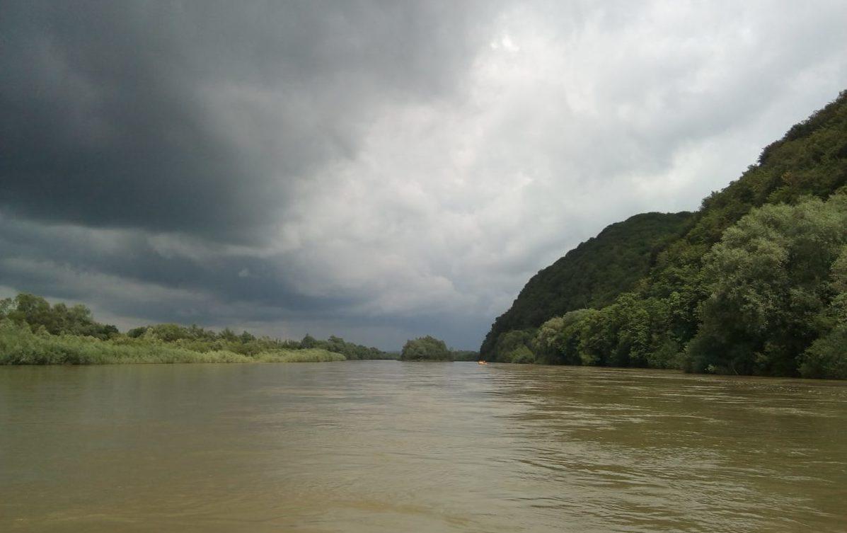 Вода у Дністрі може піднятись до 2 метрів. Як діяти під час паводка