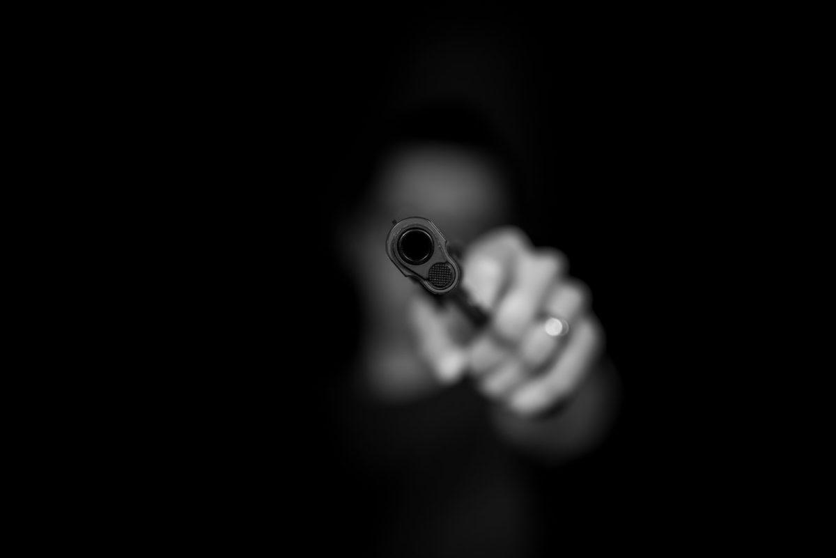 Постріли впритул. Правоохоронці розшукують жителя Шумщини, який поранив двох людей