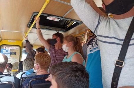 Перевозив забагато людей. У Тернополі оштрафували водія маршрутки