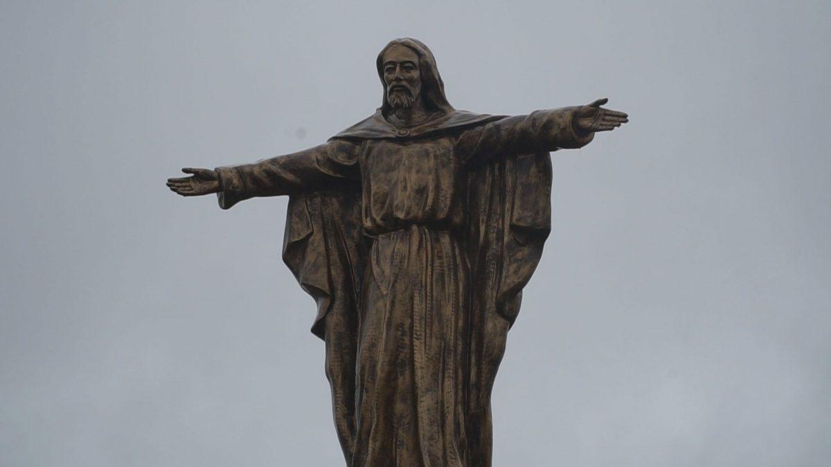 Зборівщина під покровом. Компанія «Агропродсервіс Ярчівці» встановила фігуру Ісуса Христа