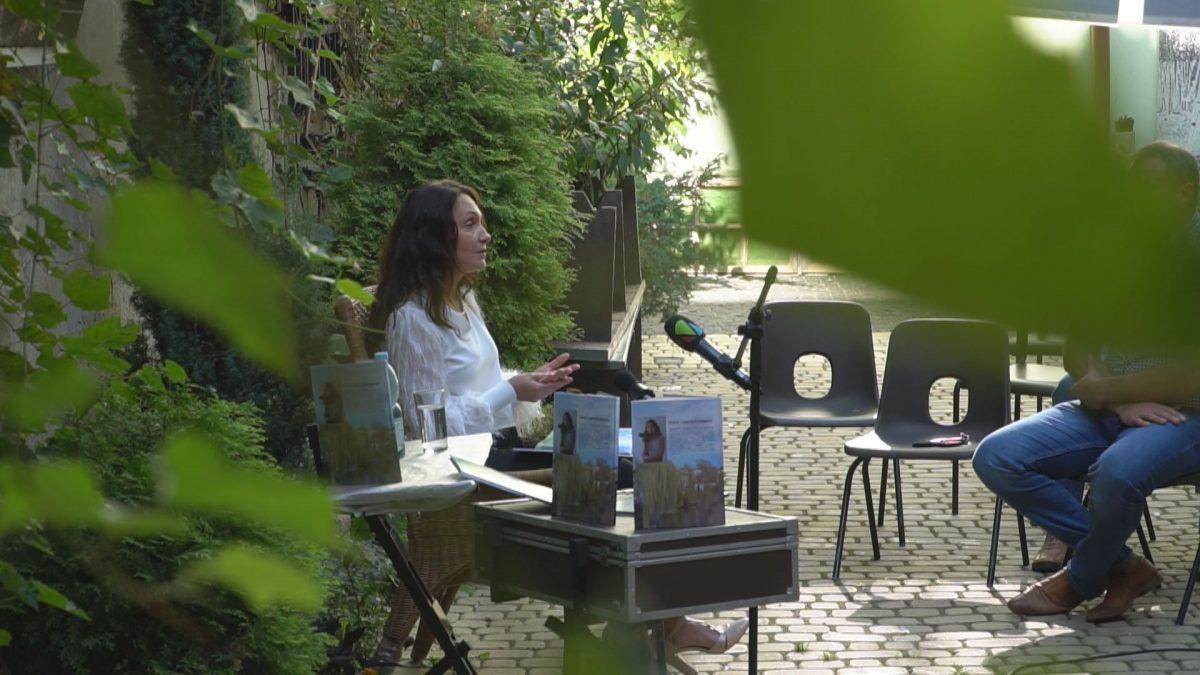 У Бучачі в Арт-дворі презентувала свою книжку Олена Сурм'як (Відео)