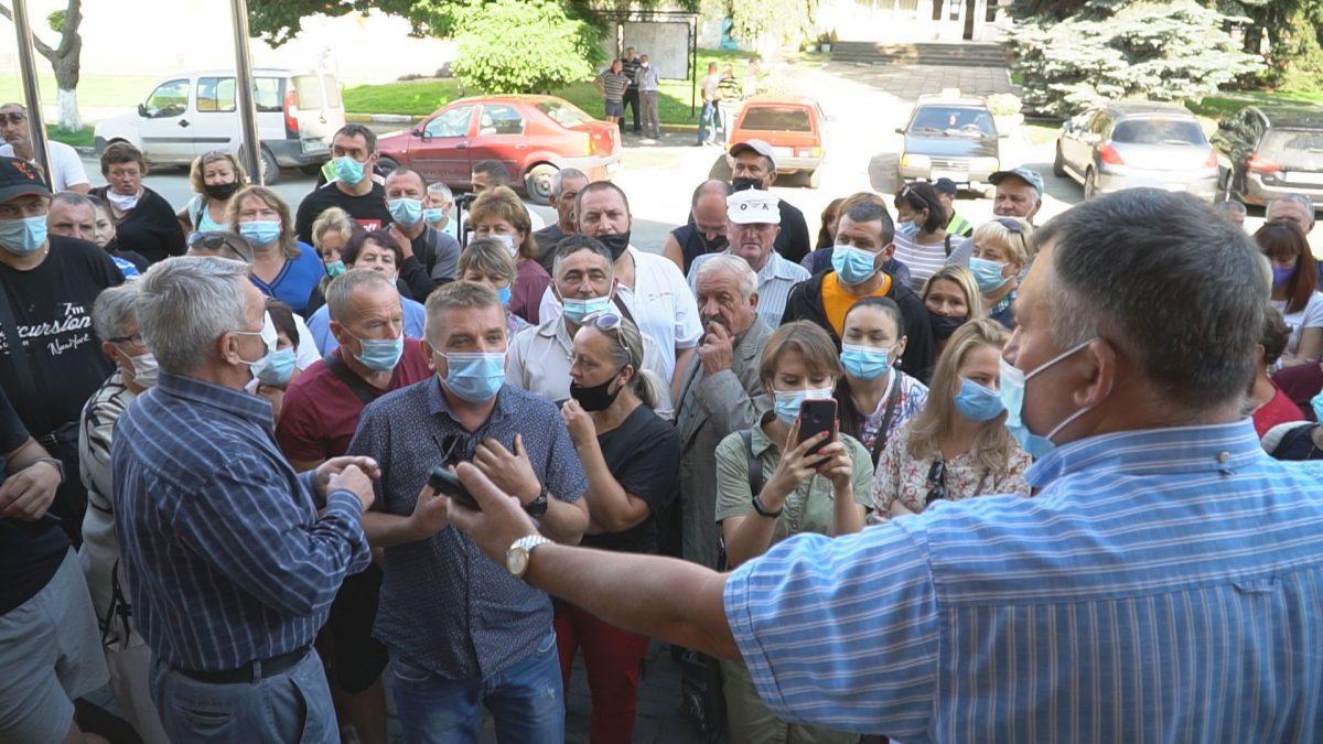 Підприємці Теребовлянщини протестують проти закриття ринків (Відео)