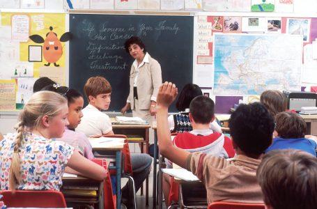 """Уряд дозволив школам і дитсадкам на Тернопільщині працювати в """"червоній"""" зоні"""