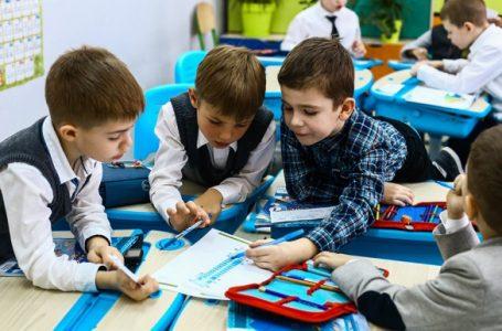 У Тернополі учні початкових класів відвідуватимуть школу цілими класами