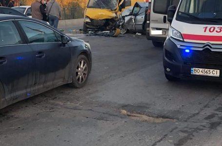У ДТП на Лозовецькій постраждали троє людей (Фото)