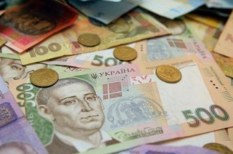 Попросили води і винесли гроші: на Теребовлянщині обікрали бабусю