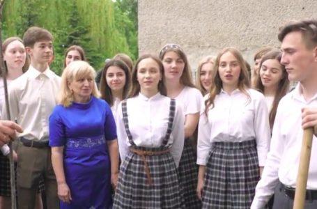 Замість кульки – дерево: тернопільські школярі підтримали флешмоб (Відео)