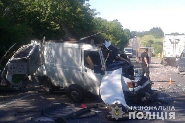 У ДТП на Тернопільщині загинув водій буса
