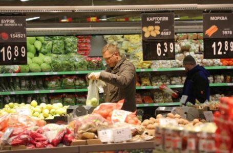 «Яблука за три сотні». У тернопільському супермаркеті продали зайвий товар