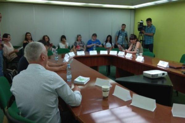 Кандидати у народні депутати дискутують про розвиток краю (НАЖИВО)