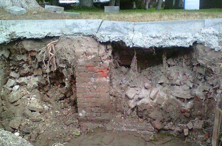 У Бережанах під асфальтом виявили залишки житлового кварталу, зруйнованого під час війни (Фото)