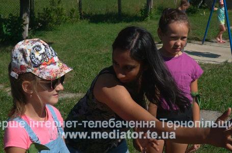 Іноземні волонтери знайомлять діток Білецької громади з культурою своїх країн (Відео)