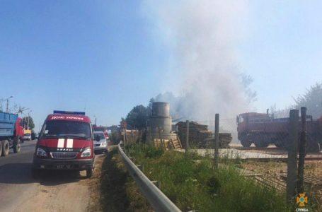 У Тернополі через пожежу на Об'їзній ледь не згоріла автозаправка (Фото)
