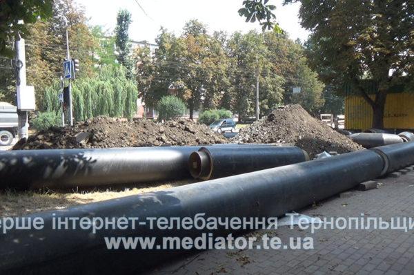 На Київській у Тернополі триває заміна зношених тепломереж (Відео)