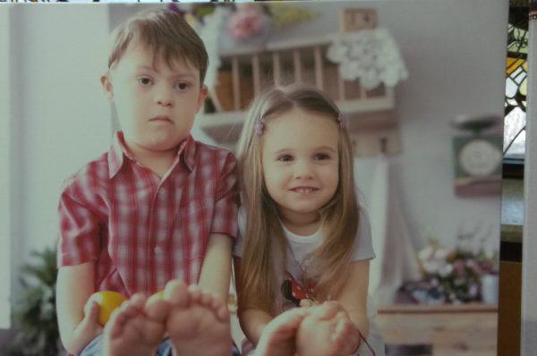 У ролі фотомоделей. Тернопільські діти з інвалідністю знялися в унікальному проекті (Відео)
