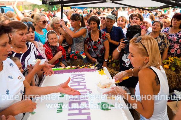 """Для дорослих і малих. Компанія """"КОНТІНЕНТАЛ """" організувала родинний фестиваль на Хмельниччині (Відео/Фото)"""