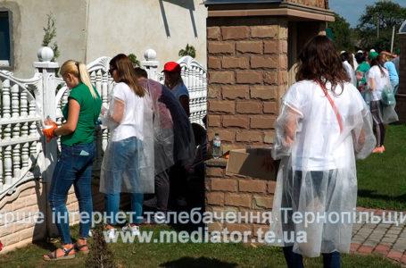 Працівники компанії «Контінентал» причепурили село Нижбірок на Тернопільщині (Відео)