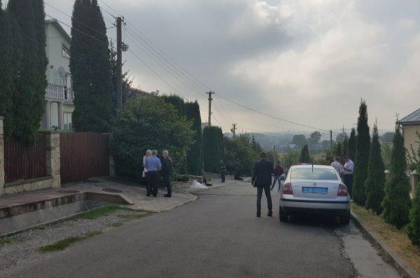 З'явилося відео вибуху на подвір'ї ректора ТНЕУ (Відео)
