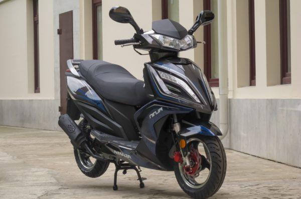 У шумчанина викрали скутер без акумулятора та зі спущеними колесами