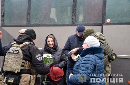 Додому зі Сходу України повернулися правоохоронці Тернопільщини