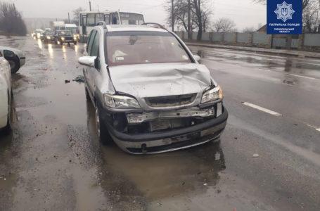 На Микулинецькій зіткнулись Audi та Opel. Один з водіїв п'яний (Фото)