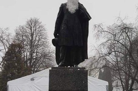 У Тернополі Пушкіну повернули попередній вигляд
